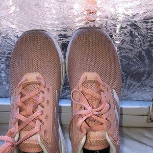 Adidas shoes 7.5 adiwear